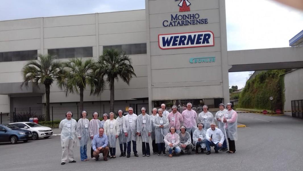 Empresários Itaiopolenses visitam Moinho Catarinense em Mafra