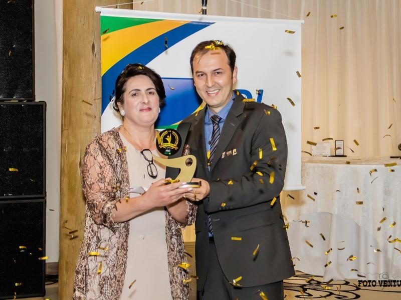 ELCIRA ESKELSEN foi eleita Empresária Destaque 2017